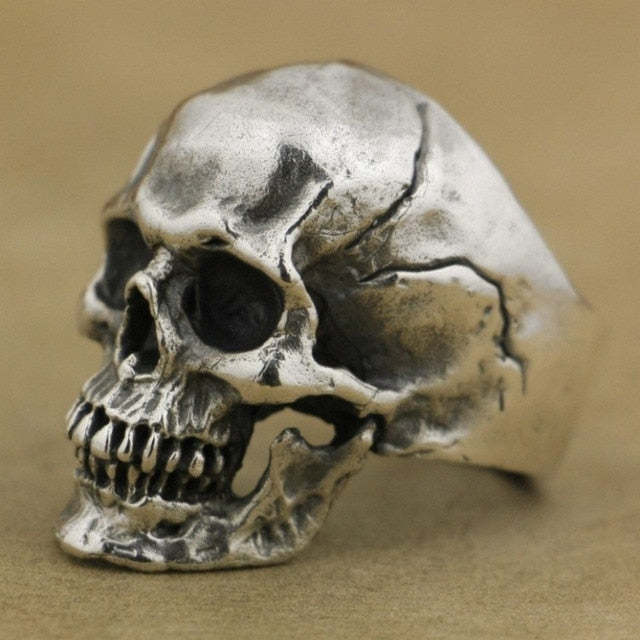 Unique Crack Splitting Skull Rings