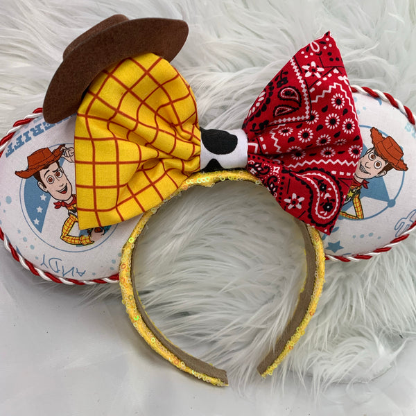 Woody half bow ears