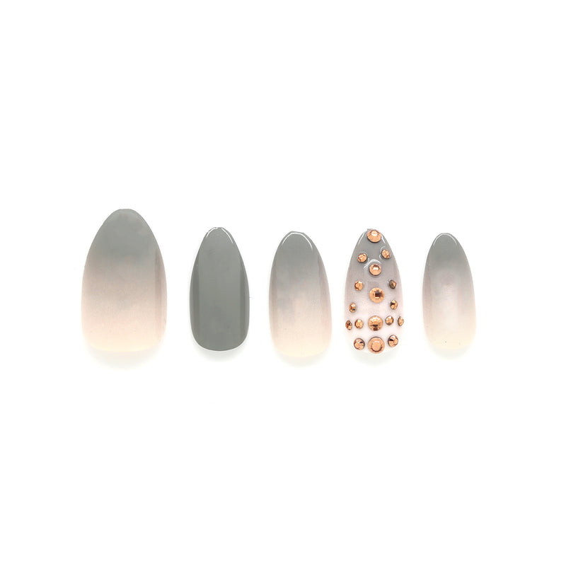 POLISHED ARTIFICIAL NAILS