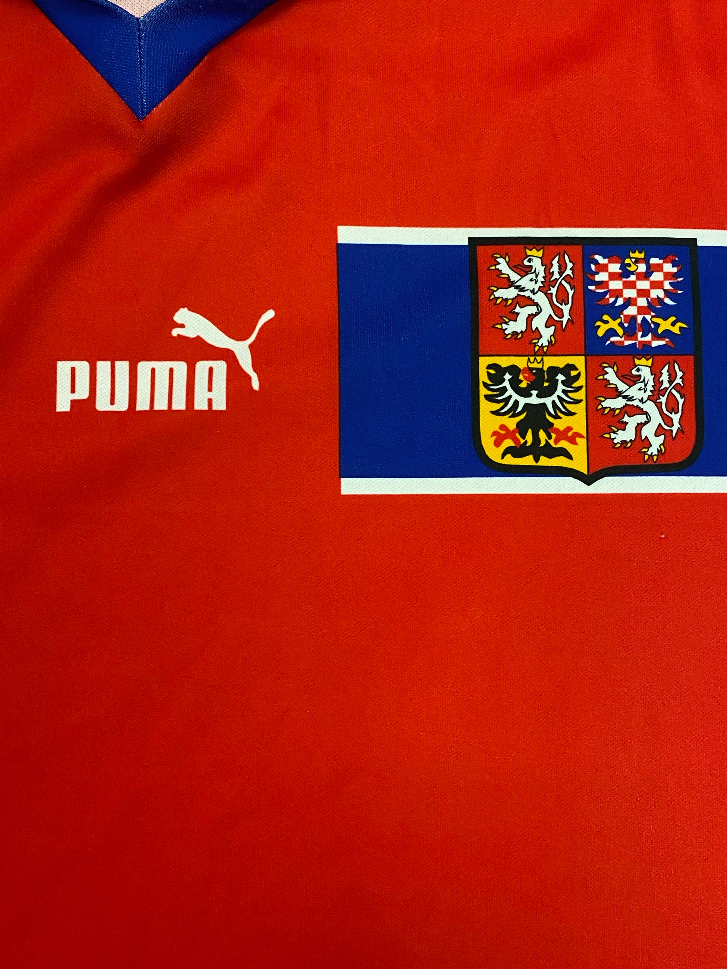 1998/00 Czech Republic Basic Home Shirt (L) 9/10