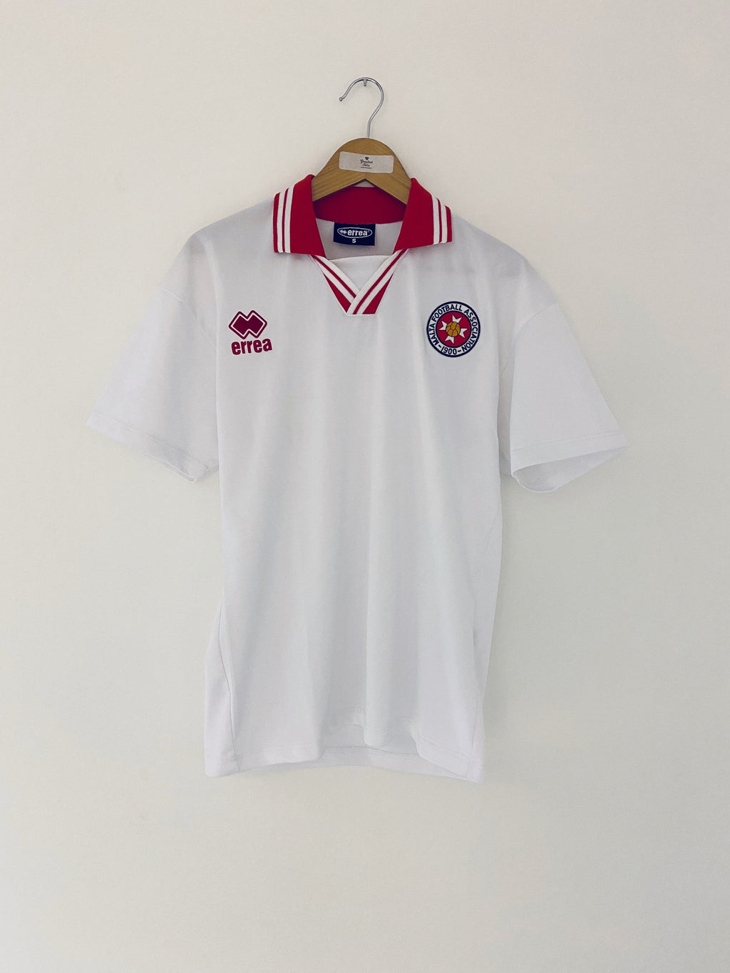 2001/02 Malta Away Shirt (S) 9/10