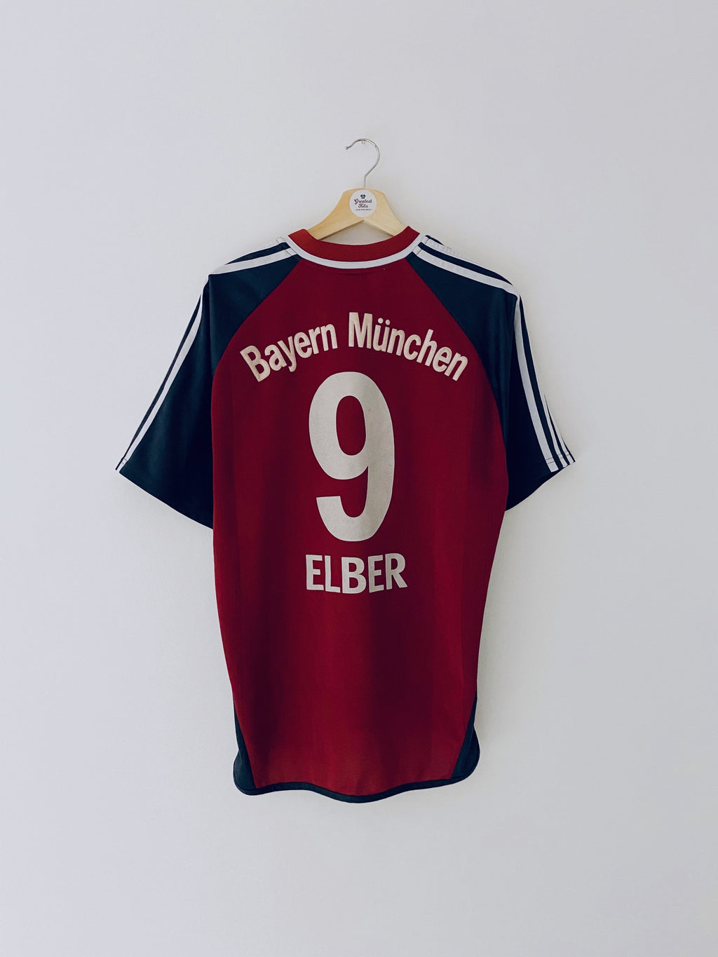 2001/02 Bayern Munich Home Shirt Elber #9 (M) 6.5/10