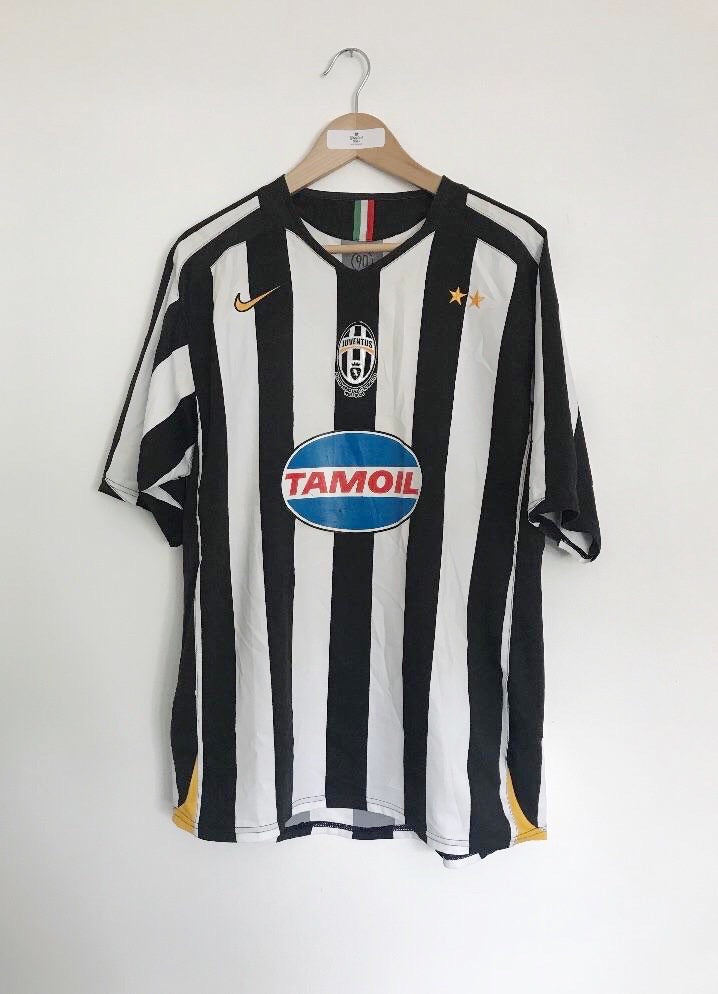 2005/06 Juventus Home Shirt (L) 6.5/10