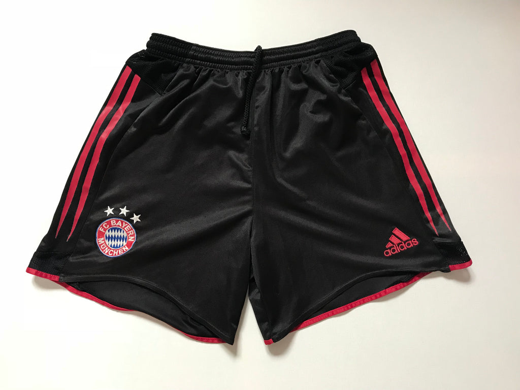 2004/05 Bayern Munich Away Shorts (M) 9/10