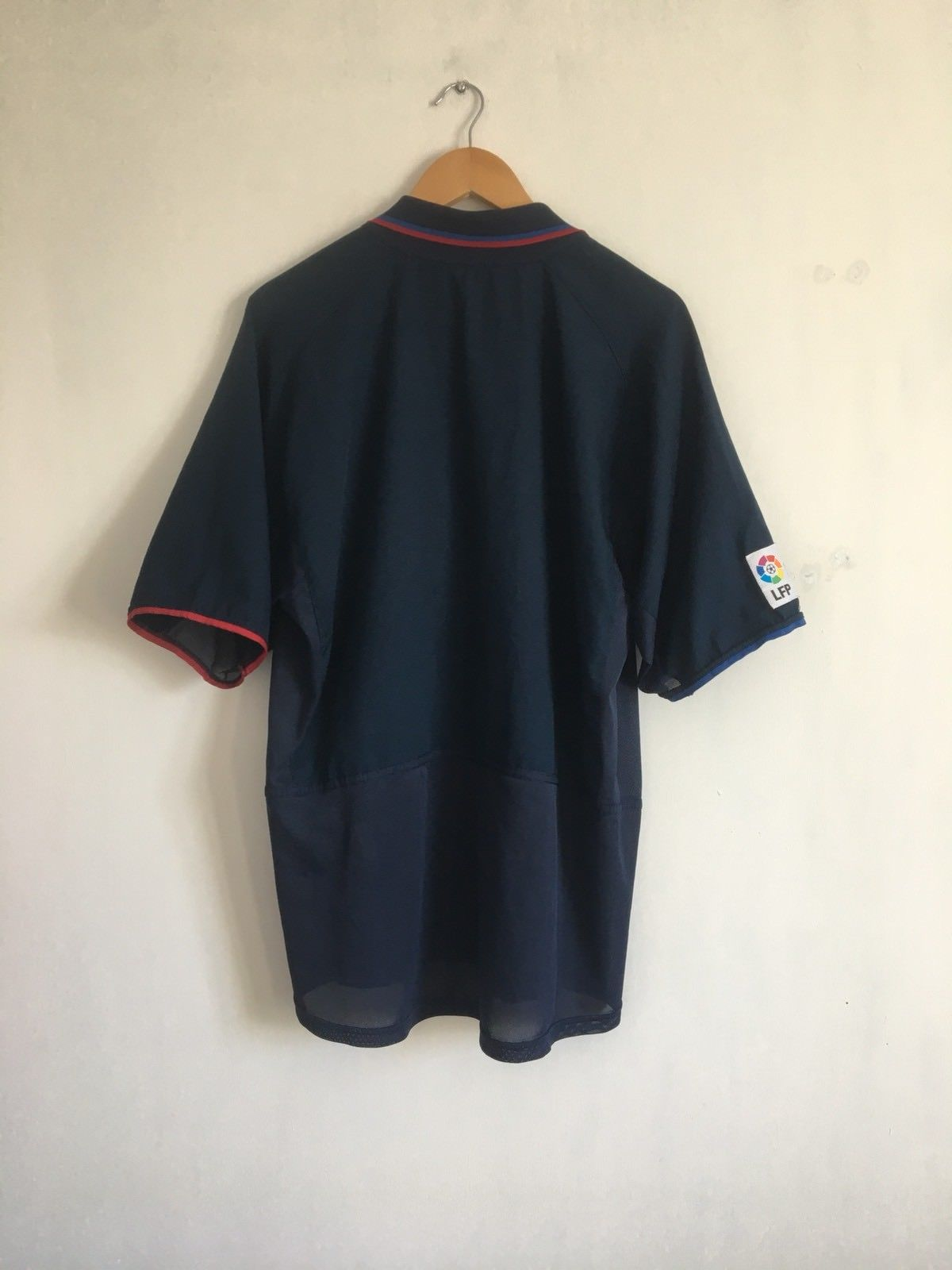 2002/04 Barcelona Away Shirt (XL)