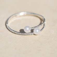 Crystal and Simulated Pearl Fashion Memory Bracelet