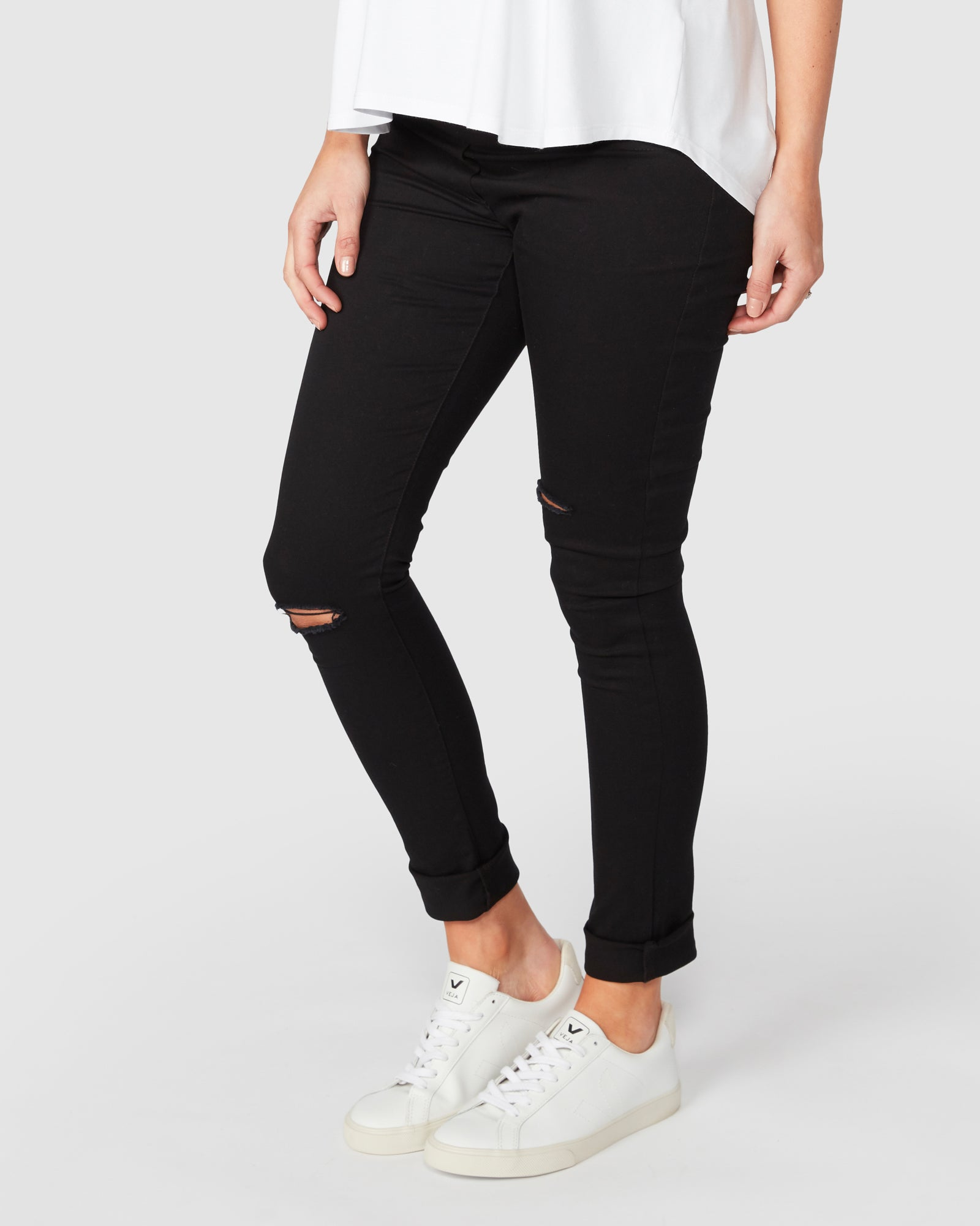 Bobbi Distressed Skinny Jeans