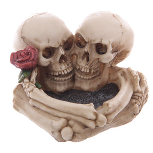1Piece Love Never Dies Eternal Skeleton Couple With Rose Cigaretter Heart Ashtray Resin Figurine Skull