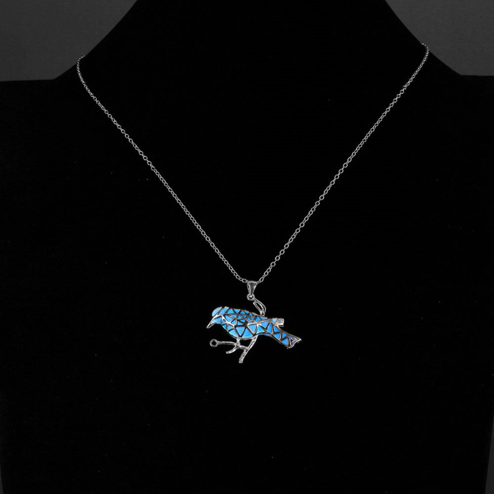 Hollow Out Animal Pendant Glow In Dark Necklace For Women Glowing Bird Fluorescence Maxi New Statement Neclace