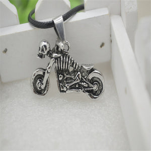 2017 Hot European And American Alloy Skull Motorbike Necklace Rider Biker Pendant Chain Necklaces