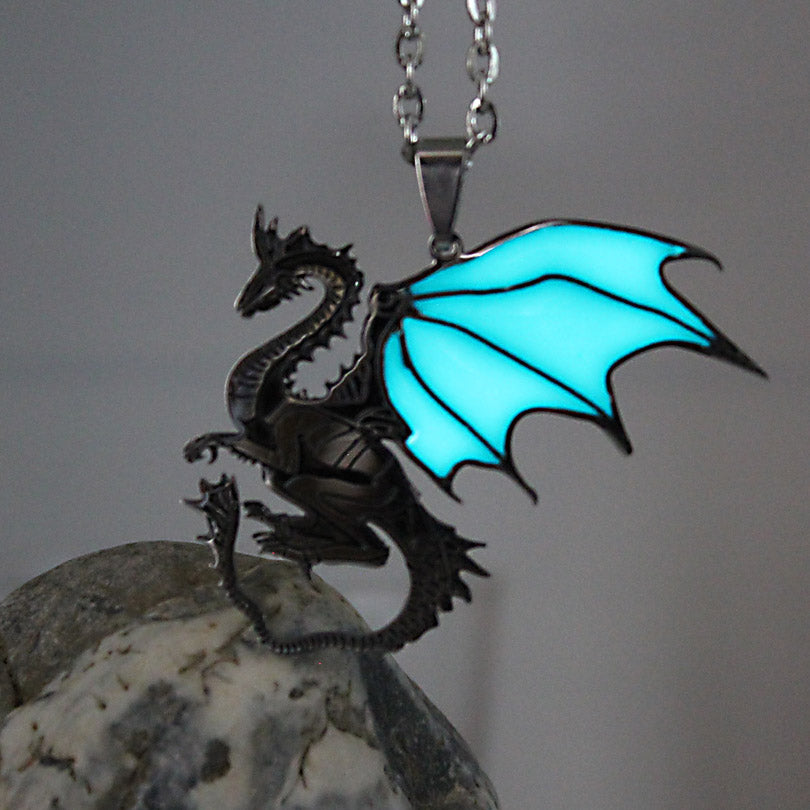 Glowing Steel Dragon Necklace GLOW in the DARK Game of Thrones Dragon Pendants & Necklaces women girls boys gift Sweater chain