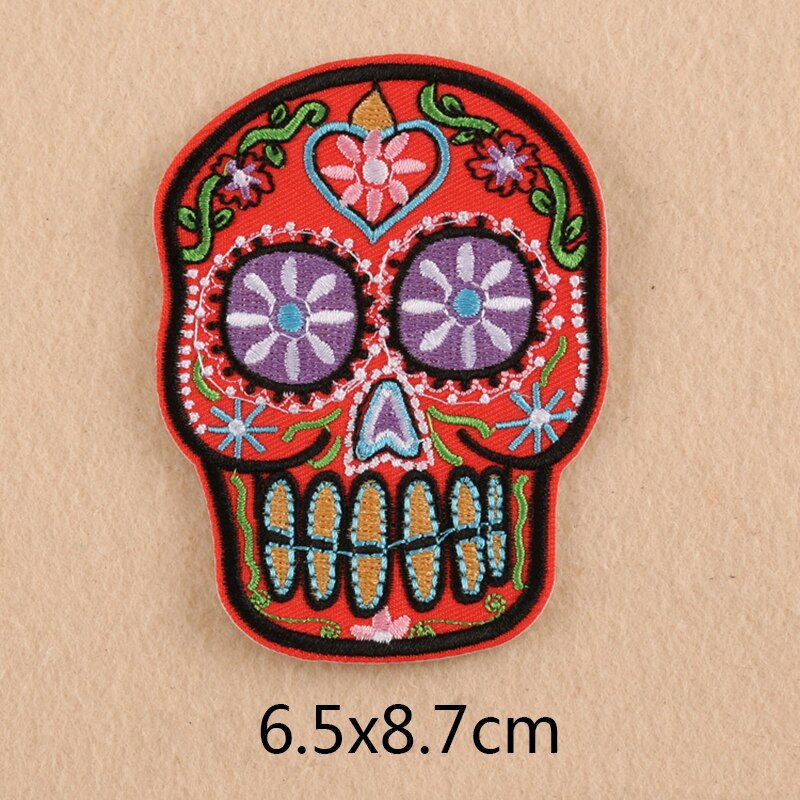 6pcs/lot new skull Iron On Patches Embroidered Patches Apparel Fabric Sewing Applique DIY Clothes Stickers Patches