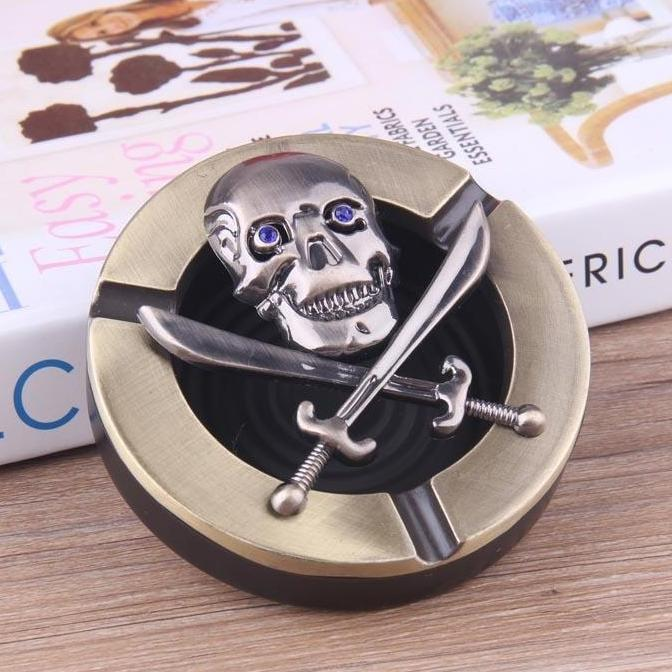 New Arrivals  Fashionable  Cigarrete  Smoking Skull Ashtray  Personality  Gift Souvenir