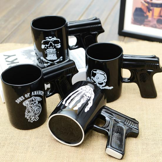 Personality Porcelain Black Gun Mug Skull Pirate Devil Claws for Option with nice Brown box