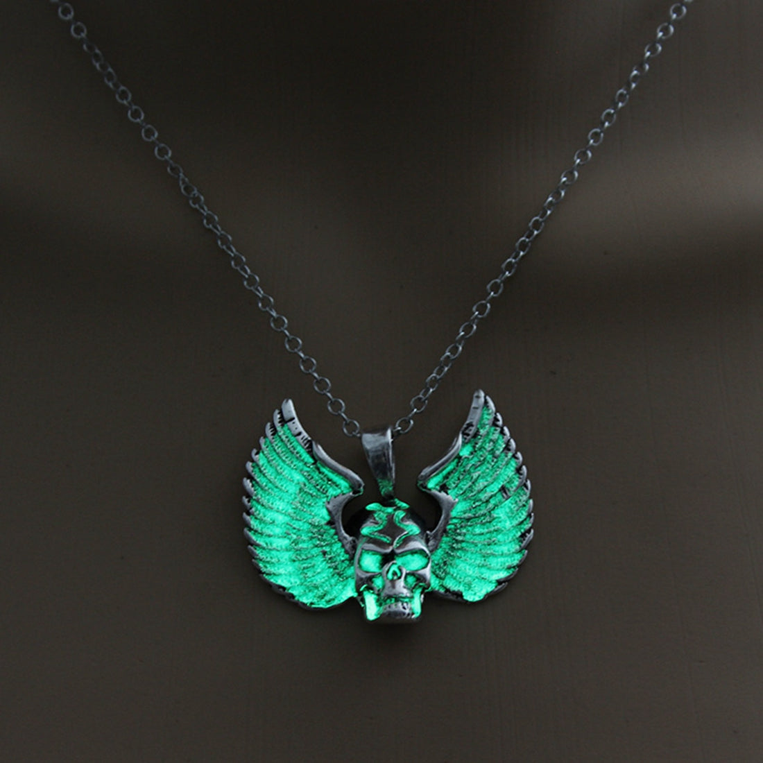 Punk Style Skull Pendant Necklace Luminous Jewelry Wings Necklace Glowing In The Dark For Women Gift Fashion 3 Colors