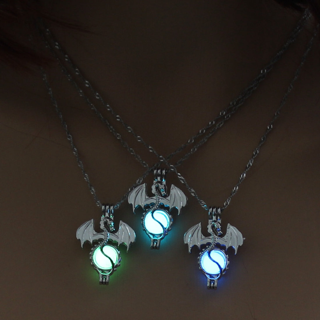 Vintage Christmas Gift Game of Throne Dragon Punk Luminous Pendant Necklace Glow in the Dark 3 Colors Cute Sweater Chain