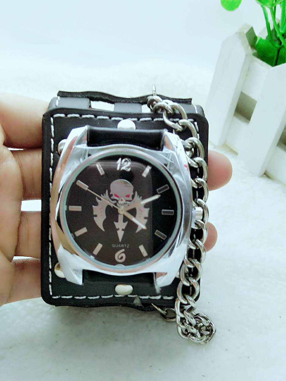 Watch Men Women Gothic Style Cool Metal Hollow Leather Strap Skull Quartz Watches Fashion Punk Trendy Cosplay Relogio Masculino