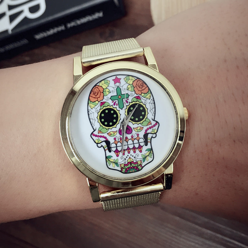 Women Dress Quartz Watches Fashion Rhinestone Golden Mesh Band Watch Woman No Scale Flower Skull Watch relogio feminino