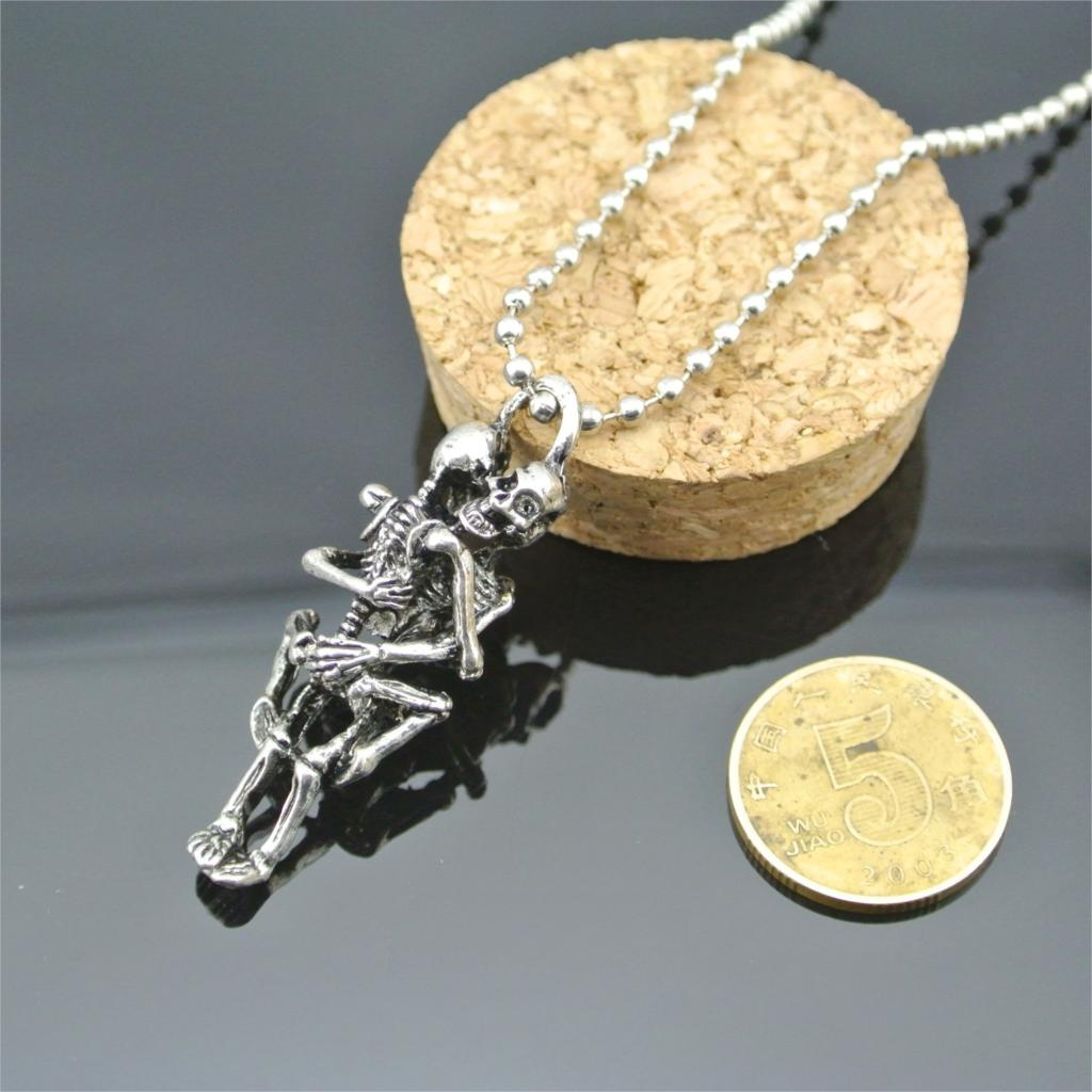 Love Pendant Necklace Men Women Infinity Love Necklace Silver Plated Couple Skulls Hug Chain