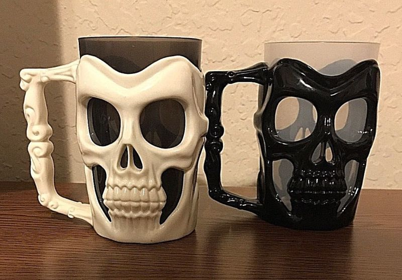 Plastic Skull Mug - Gothic Skull Mug - Pick Black or White NEW
