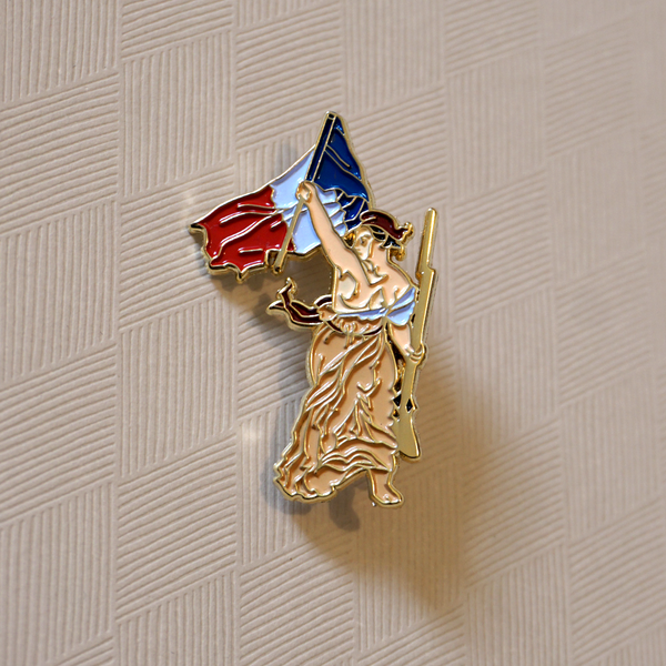 Liberty Leading the People - Enamel Pin (Pocket Museum) - Atelier Perséphone : bijoux, accessoires et papeterie