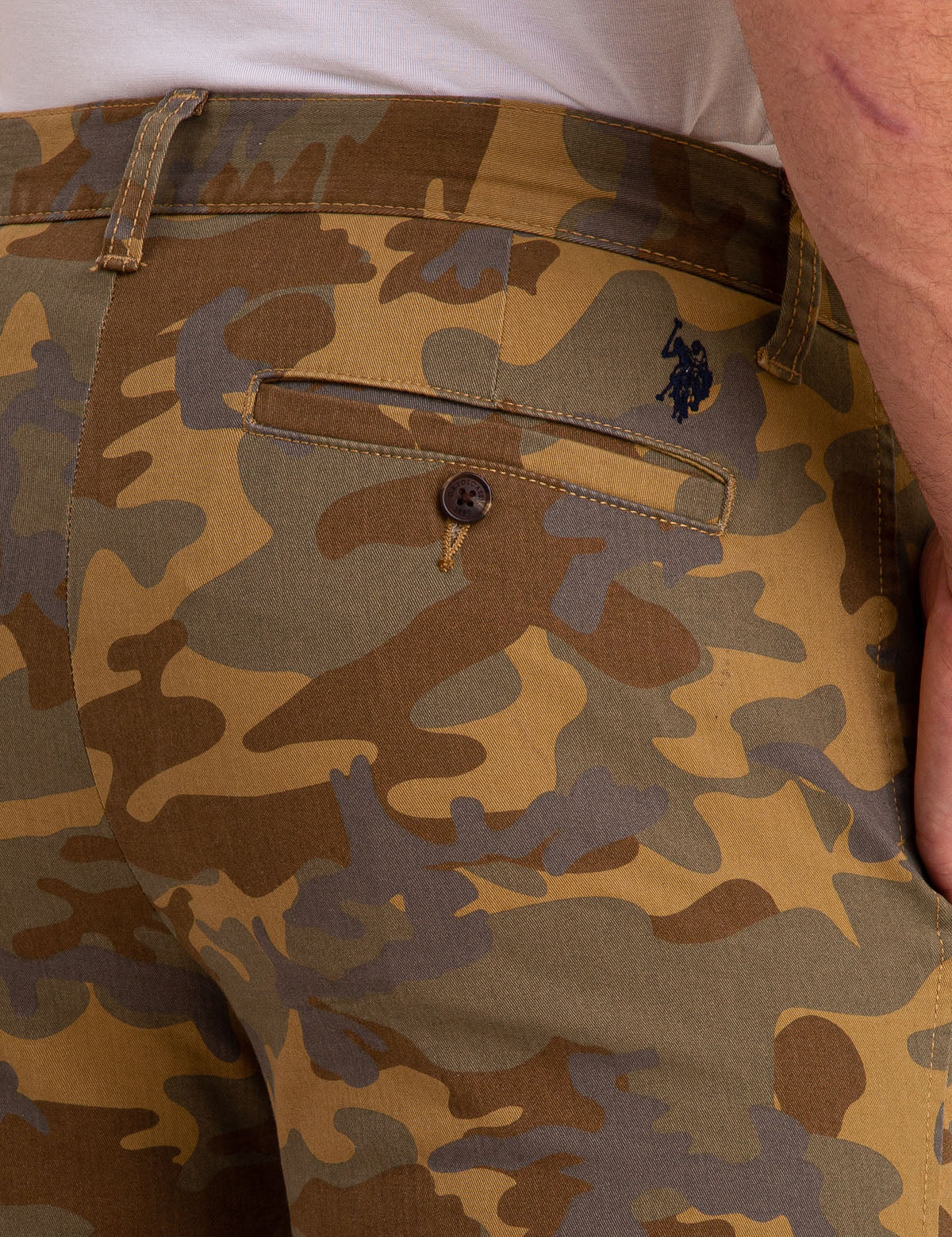 SLIM CAMO CHINO PANTS - U.S. Polo Assn.
