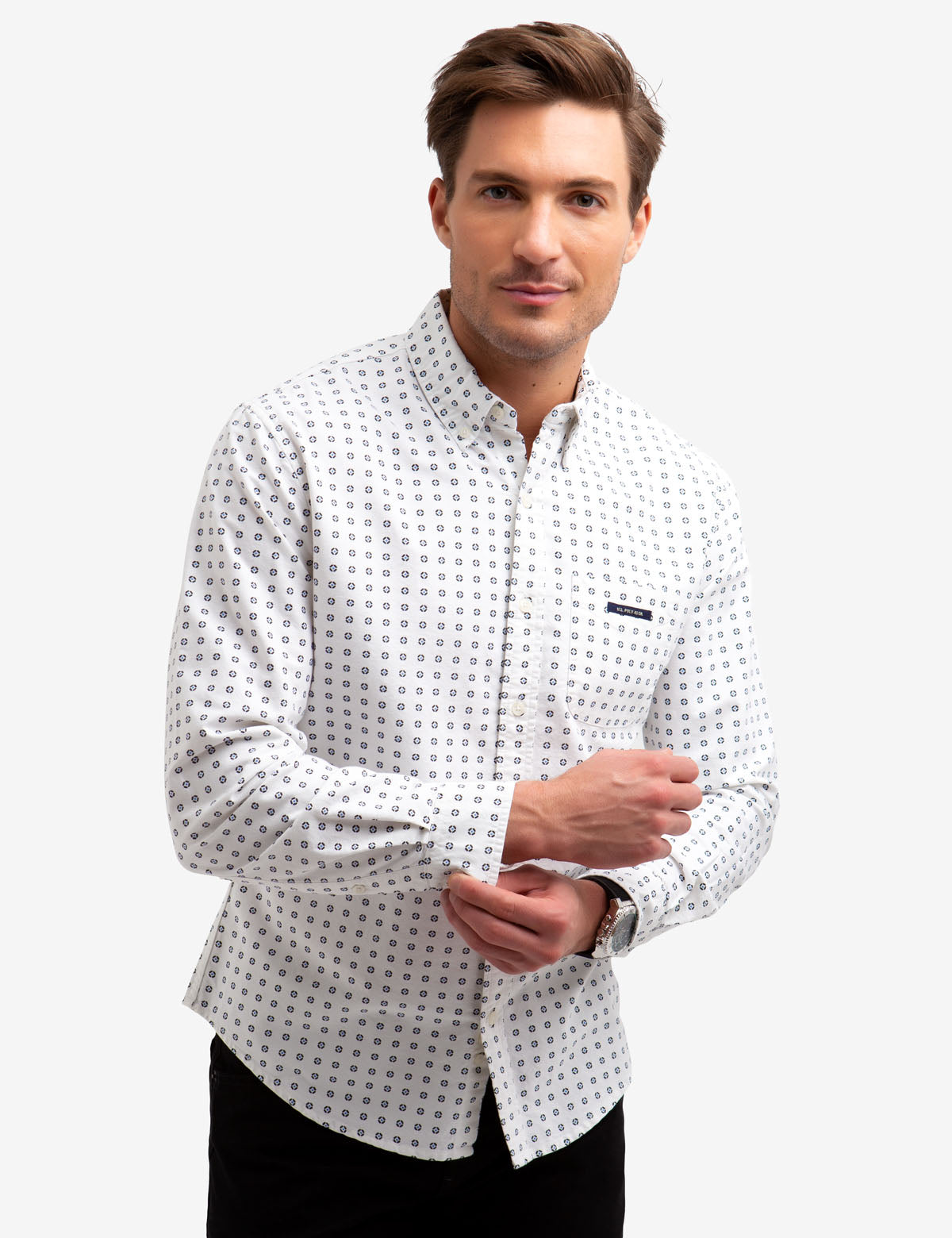 NO-TUCK GEOMETRIC PRINT OXFORD SHIRT.