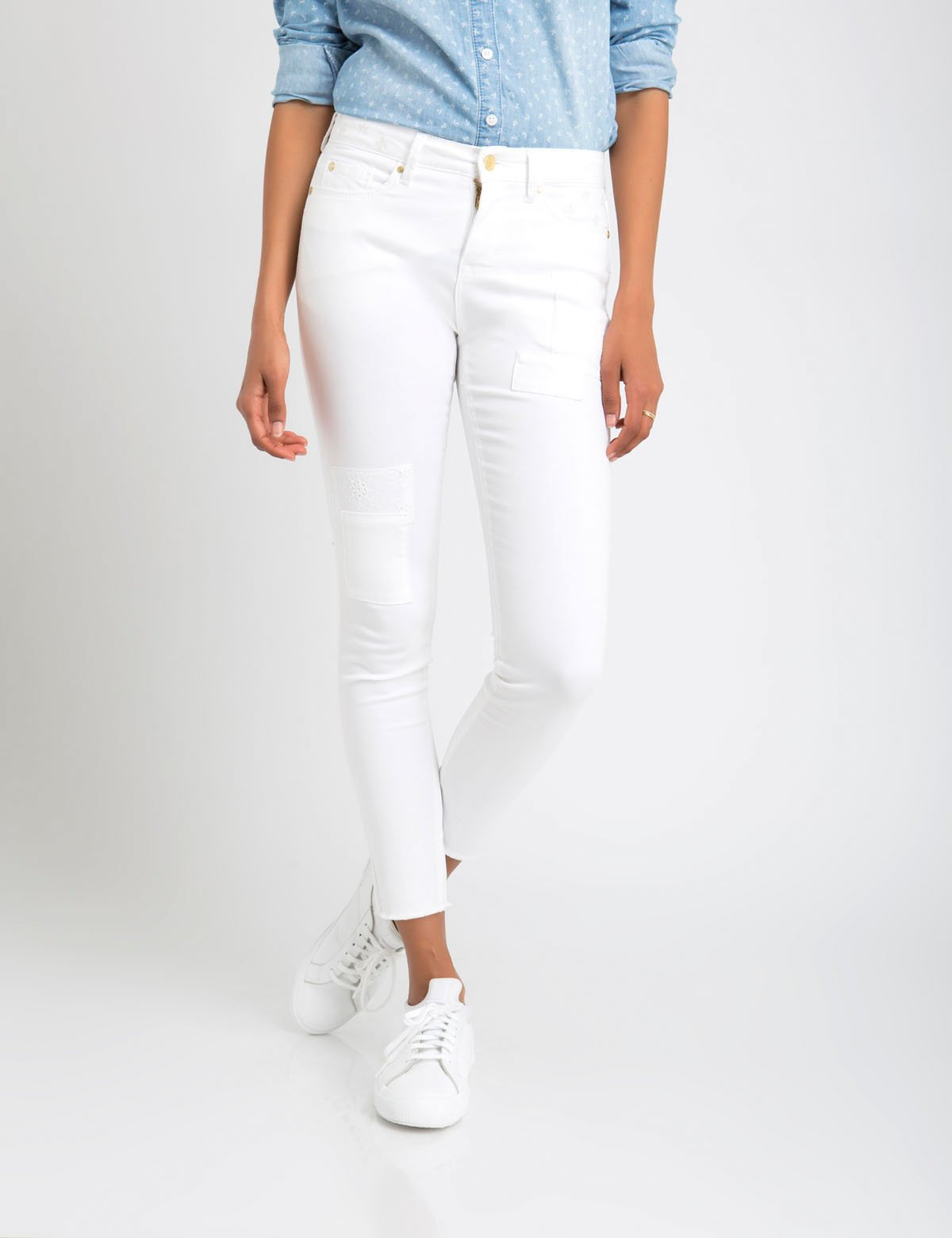 EYELET PATCH JEGGING CROP JEANS
