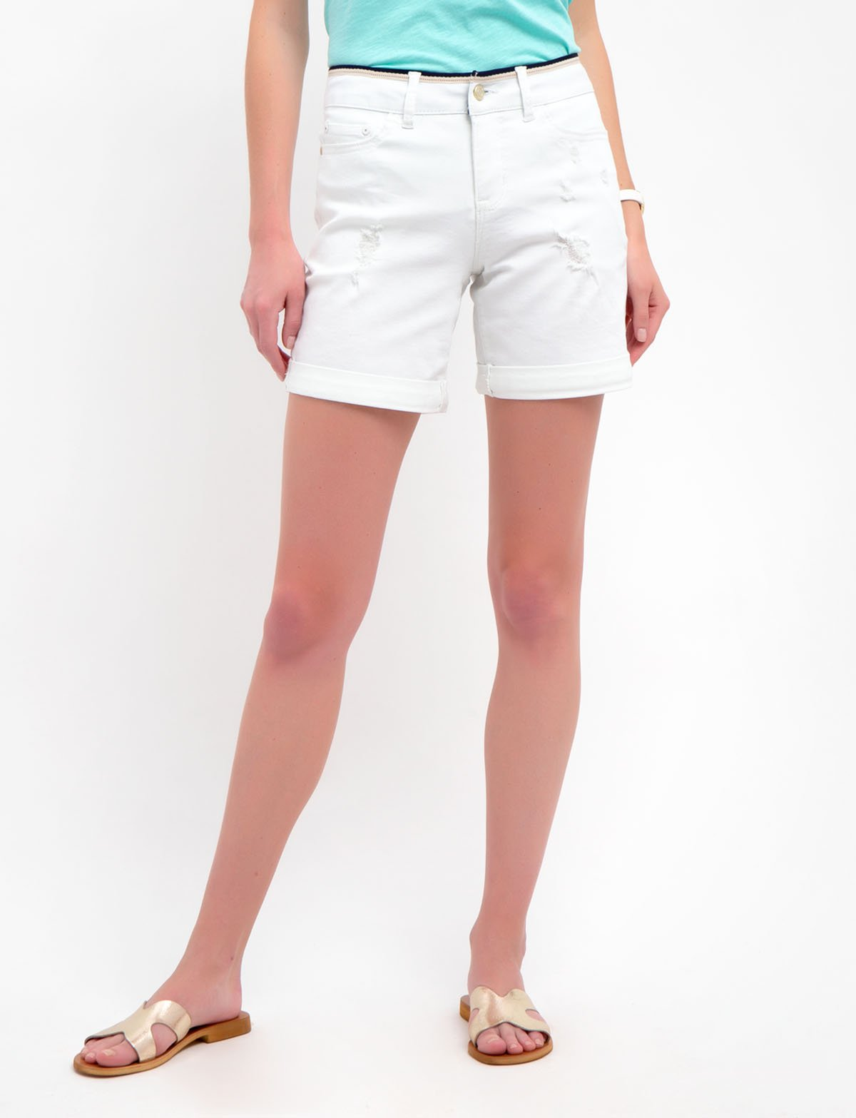 WHITE SHORTS WITH DETAILED WAIST