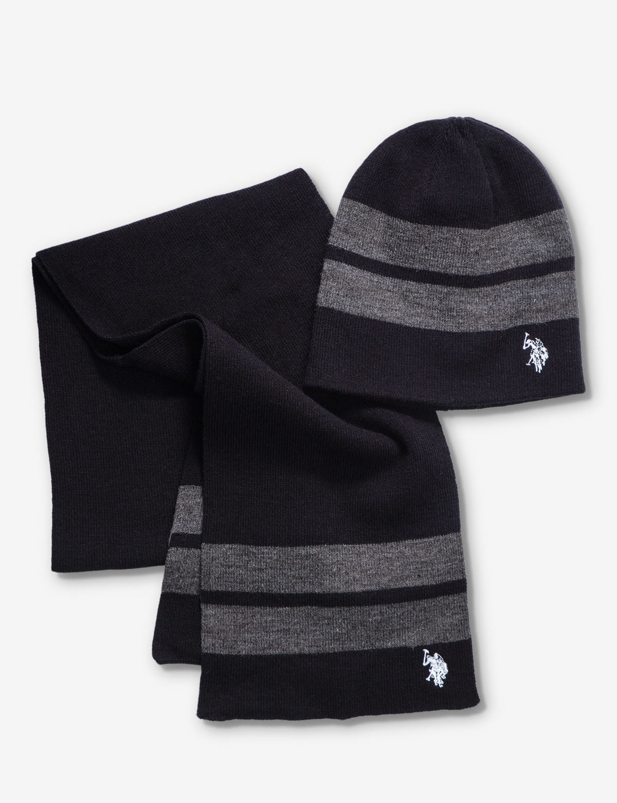 REVERSIBLE BEANIE AND SCARF SET
