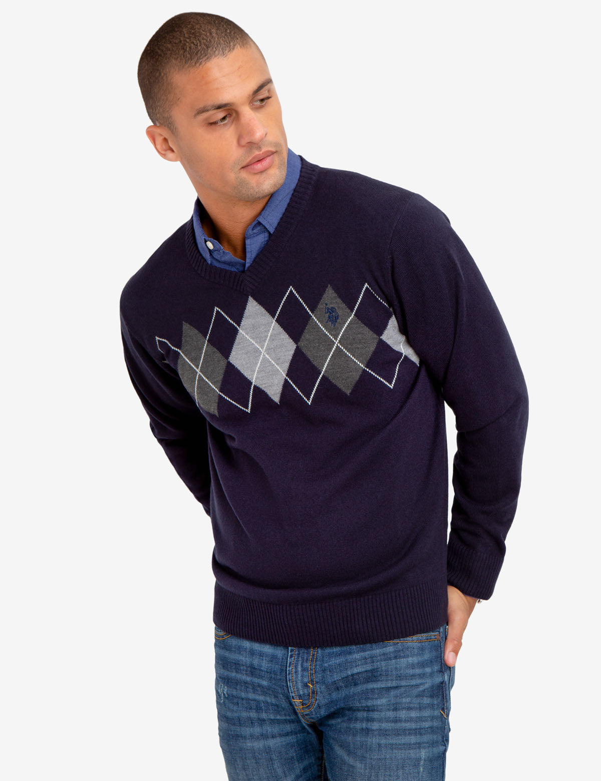 CREW NECK DIAMOND DESIGN SWEATER