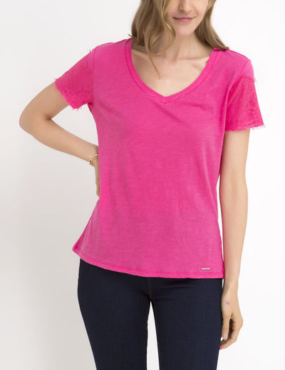 LACE SLEEVE V-NECK T-SHIRT
