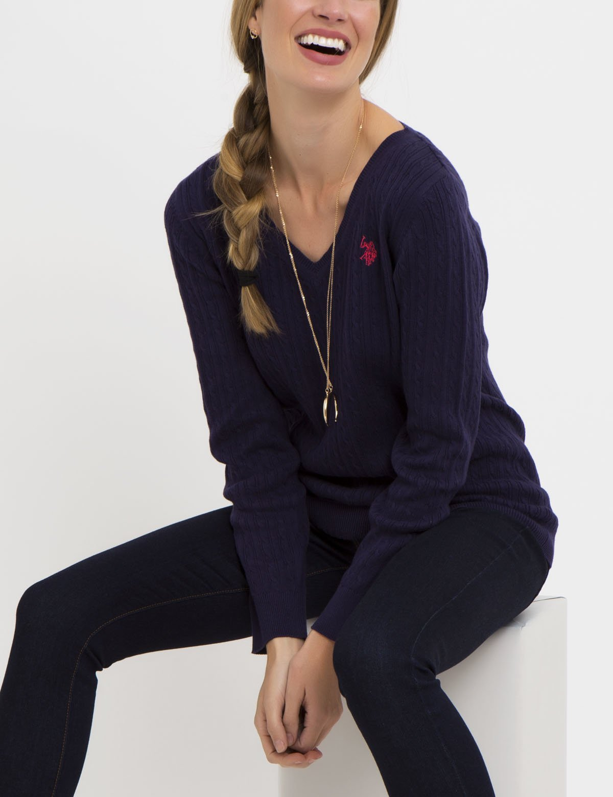 SOLID CABLE V-NECK SWEATER - U.S. Polo Assn.