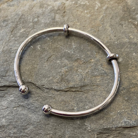 Sterling Silver Polished Torque Charm Bangle