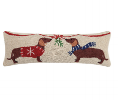 Mistletoe Dachshunds Hook Pillow