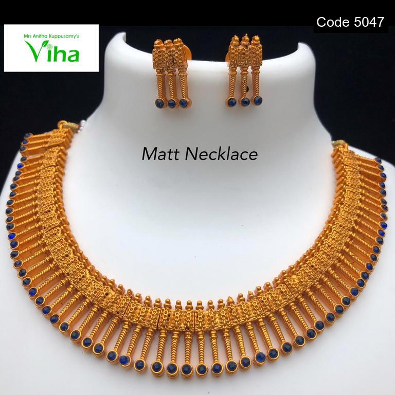 Matt Finish Gold Neck Set