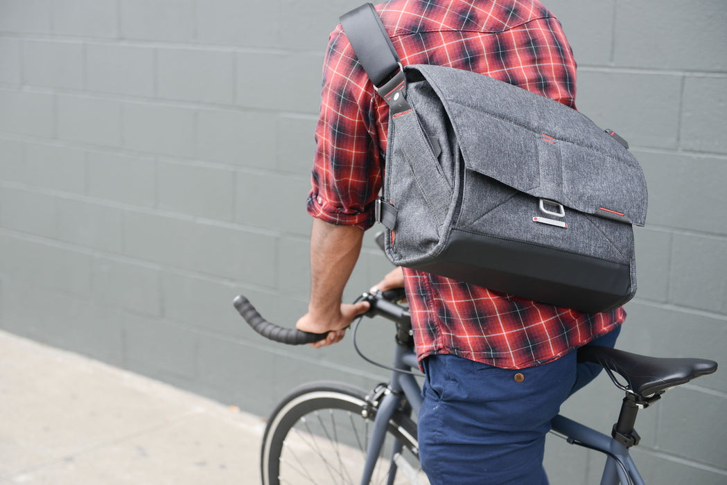 Peak Design The Everyday Messenger 13'' & 15'' Singapore - Messenger Bag  - the-Expedition.com