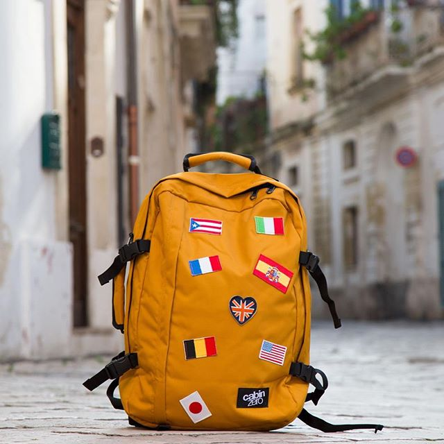 CabinZero 44L Classic Flags Singapore - Backpack  - the-Expedition.com