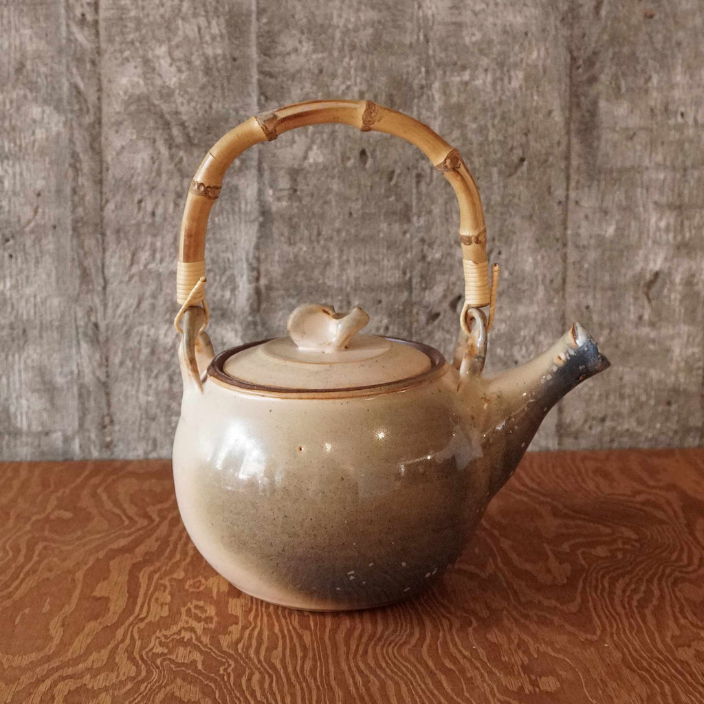 Tea pot blue sand glazing