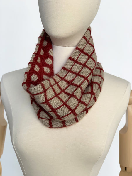 Square Pegs Cowl