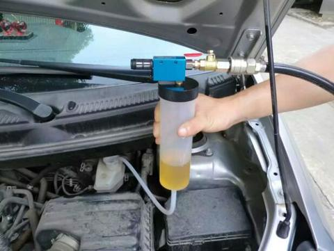 Brake Fluid Replacement Tool