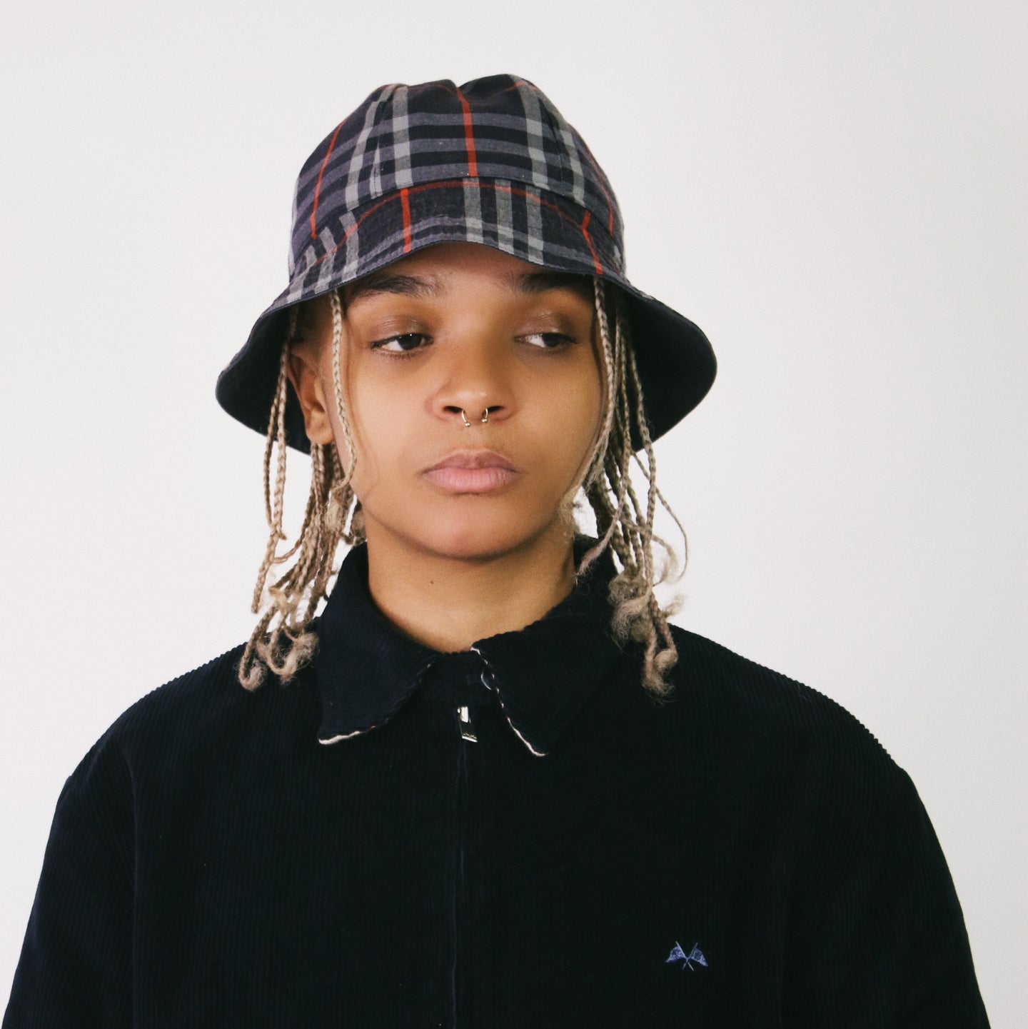 BURBERRY NOVA CHECK REVERSIBLE BUCKET HAT-BASEMENT SIX