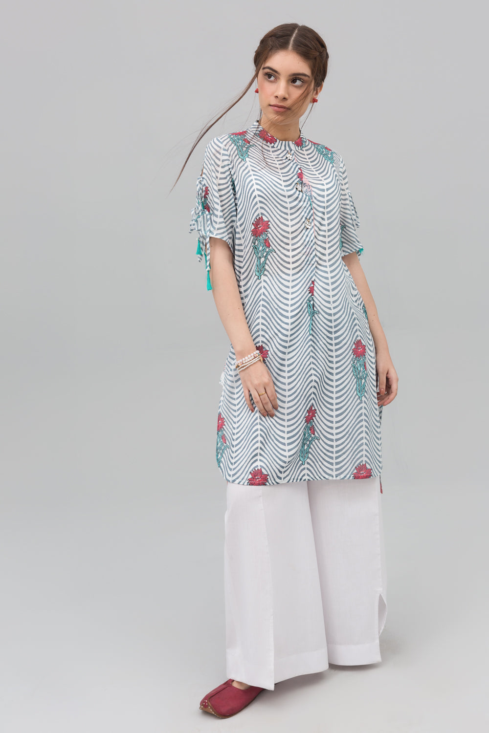 Grey & White Block Print Style Unstitched Lawn Printed Shirt - yesonline.pk