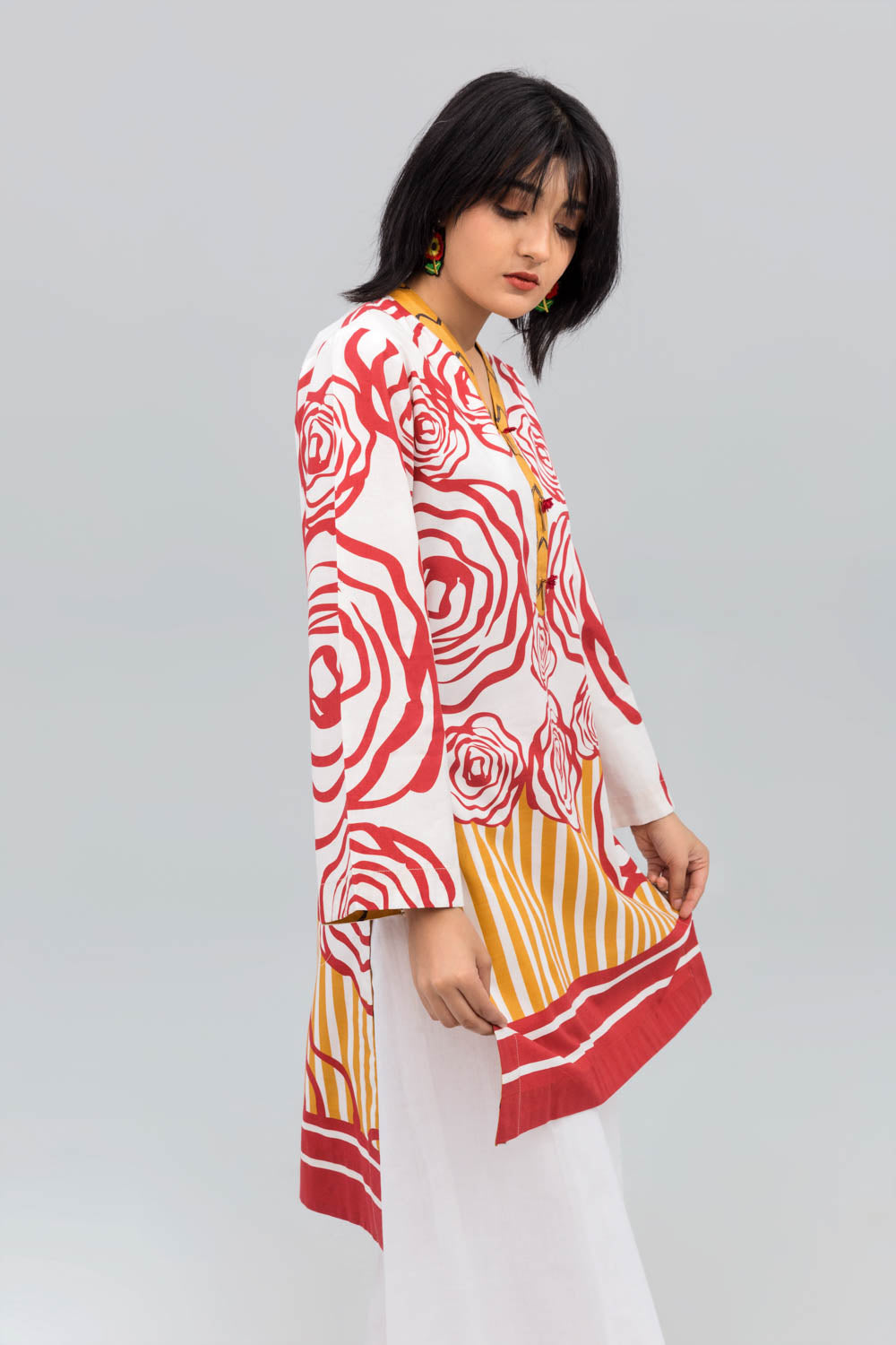 Red & White Rosy Fusion Printed Shirt In 100% Cotton