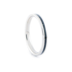 9K White Gold Ring with Central Black Onyx Stone Inlay