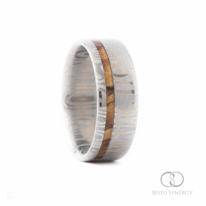 Damascus Ring with Off-Center Silver Birch Wood Inlay • Frenja Pattern