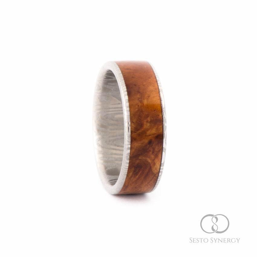 Damascus Ring with Central Amboyna Burl Wood Inlay • Frenja Pattern