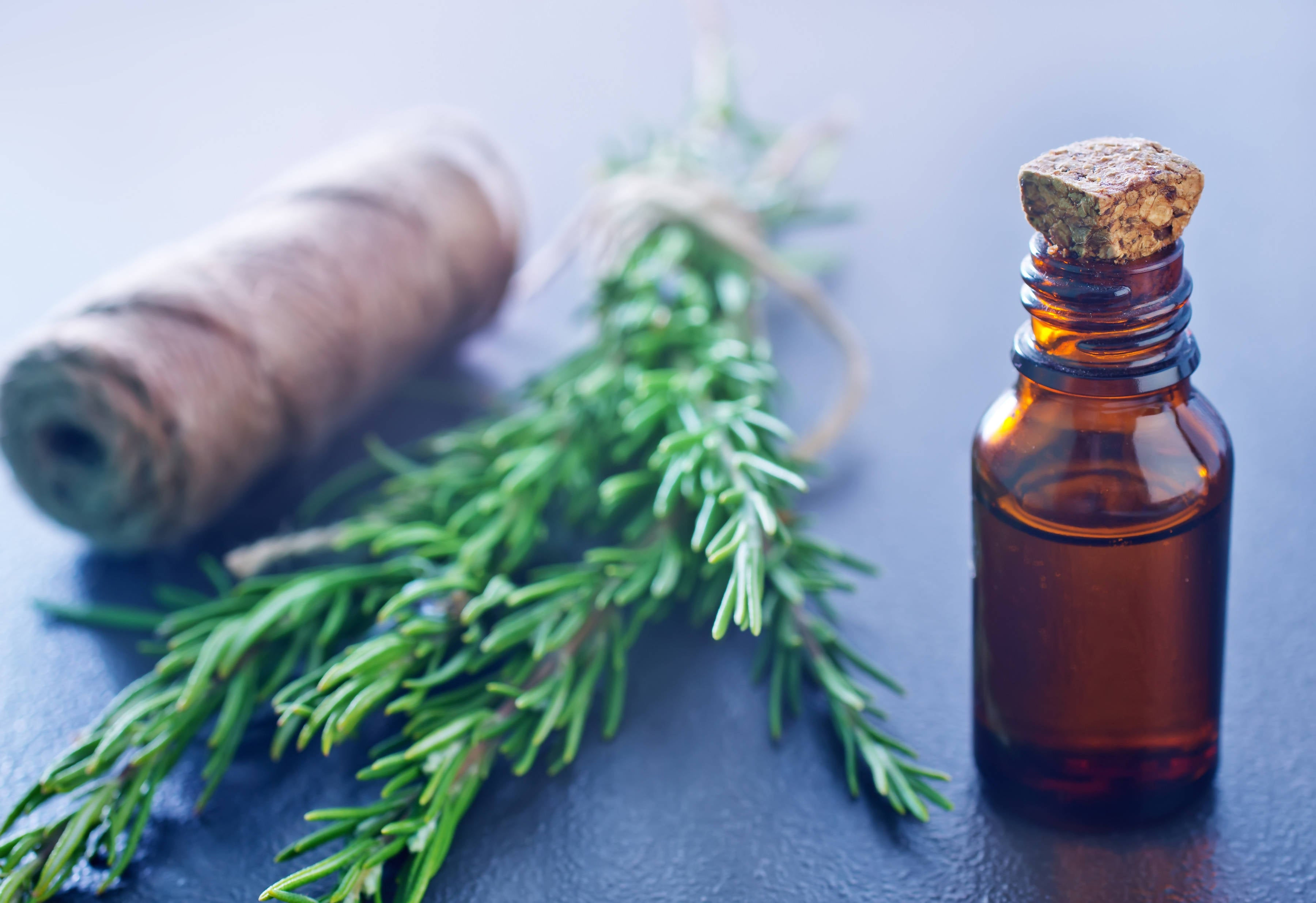 ROSEMARY, EMU AND PEPPERMINT HERBAL HAIR GROWTH OIL