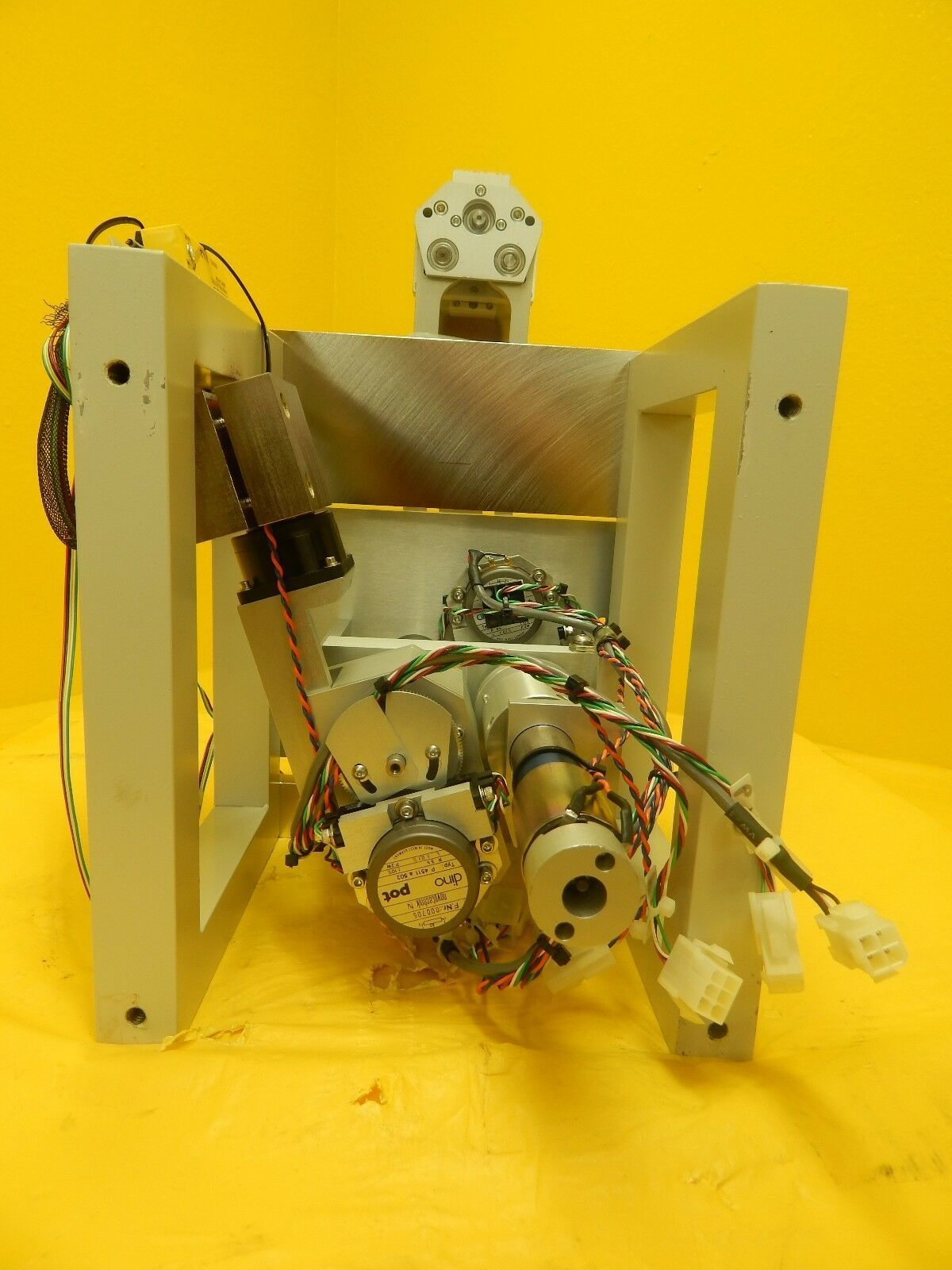 Hine Design Inner Chamber Transfer Robot Assembly Gasonics Aura A-2000LL Used