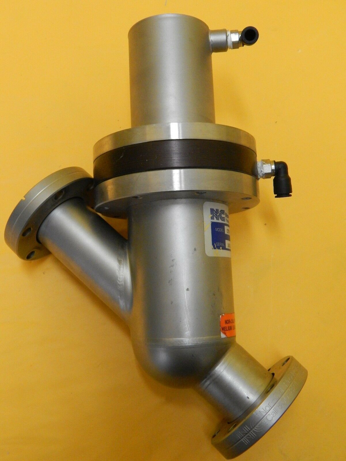Nor-Cal Products CSTVP-1502-CF-S12 Pneumatic Straight-Through Poppet Valve Used